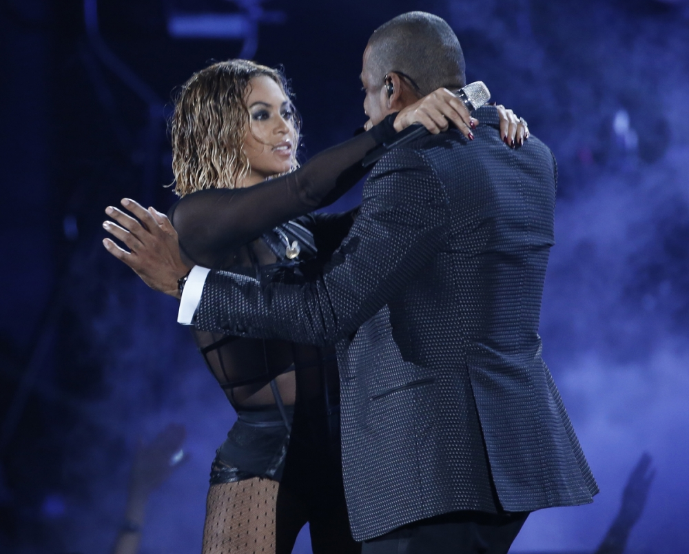 beyonce-and-her-husband-jay-z-perform-at-the-56th-annual-grammy-awards-in-los-angeles-california-january-26-2014