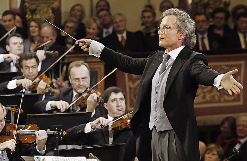 Franz Welser-Möst conducting the 2013 Vienna New Year Concert. Photo by AFP