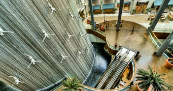 Dubai-Mall-Waterfall-Wallpaper