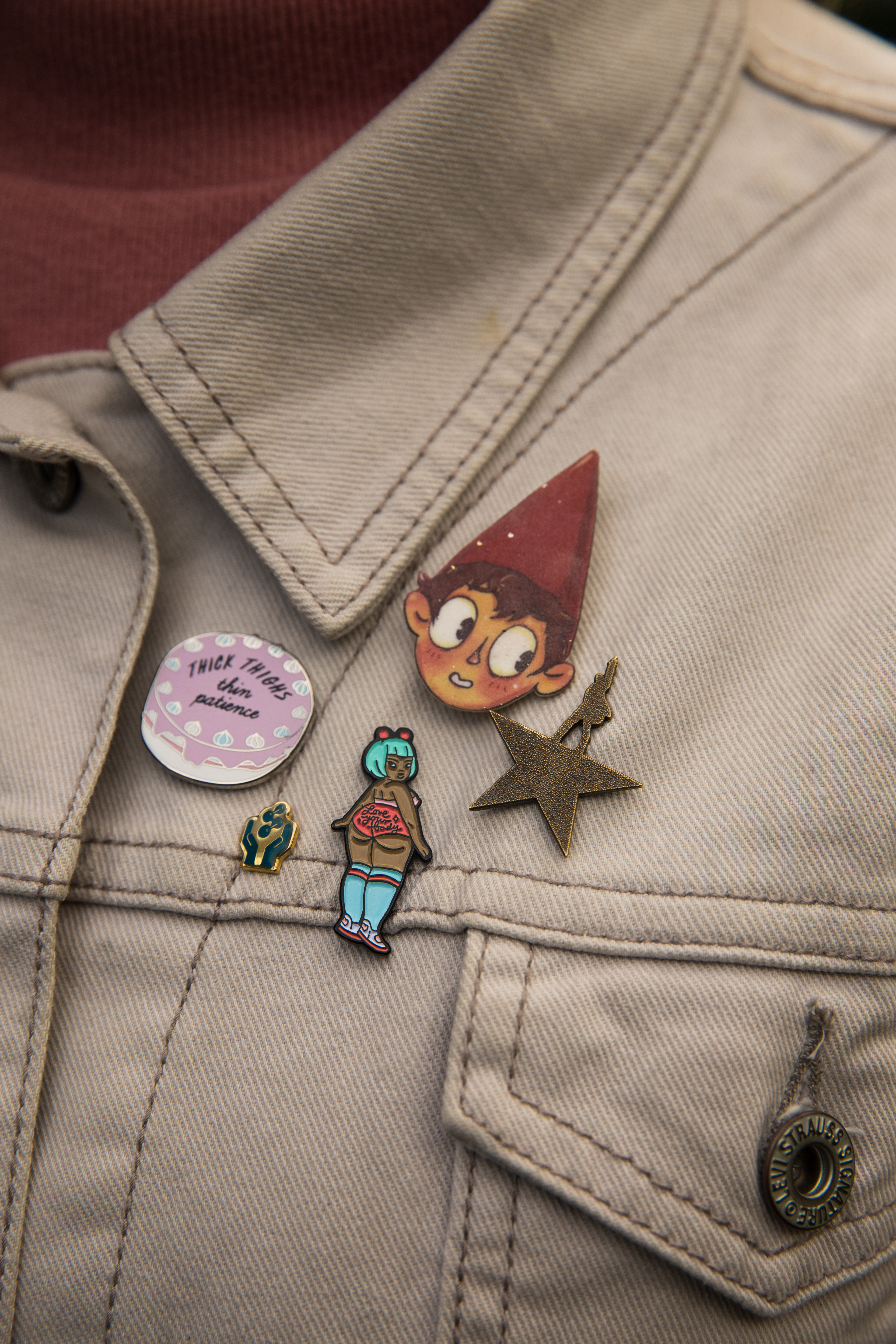 Add some flair to your autumn outfits with pins!